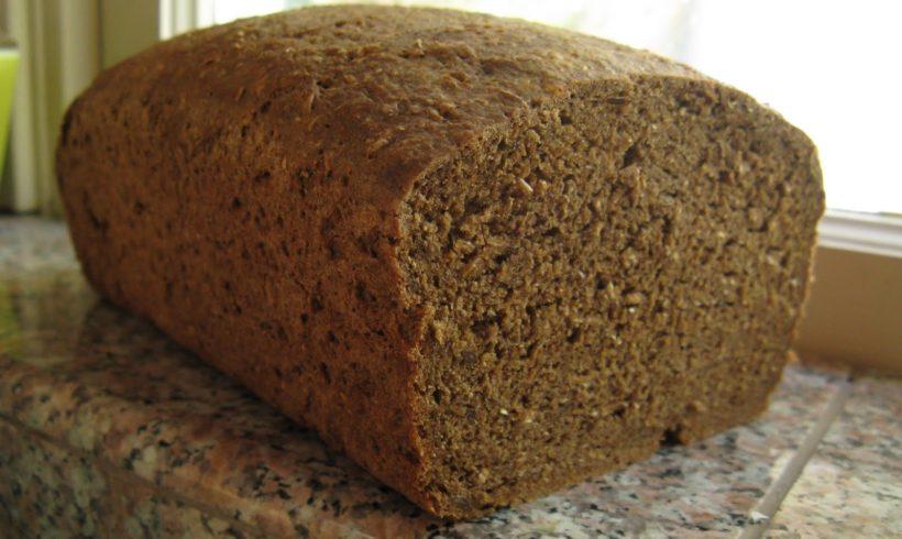 Chleb domowy razowy na zakwasie